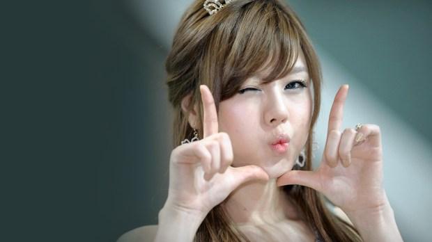 1-Cute-Asian-Girl-Background